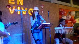 Hoy-Cover Gloria Estefan/ Karol Gonzalez.
