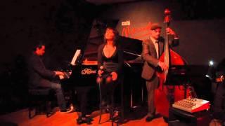 """Nora Pastor Trio, """"Eu sei que vou te amar"""", directo en Café Mercedes Jazz de Valencia"""