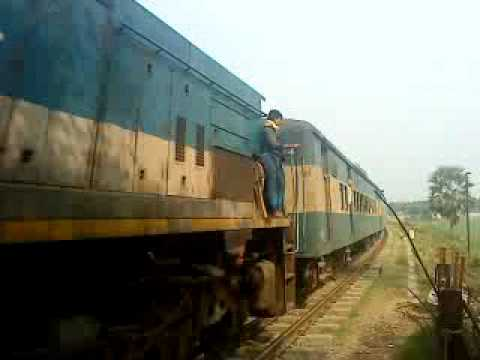 Bangladesh Railway Egaroshindhur Probhati Intercity Express .MP4