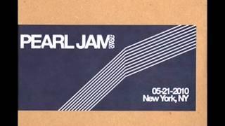 Pearl Jam - Lukin (version) live New York 2010