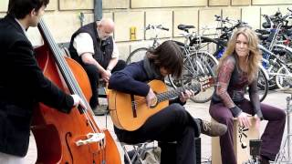 Fernando's Kitchen's Minor Rumba, live street-music!