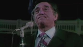 1976 WS Gm3: Merrill sings national anthem