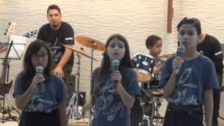 Pianíssima - Brenda Clericuzzi (Voz - do meio) Nascemos Pra Cantar (Cover)