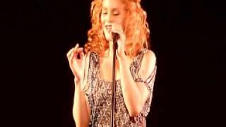 Vanessa Paradis - Sunday Mondays - Concert Live acoustique au Casino de Paris HD