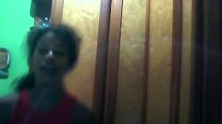 menina de 12 anos dançando selena gomez