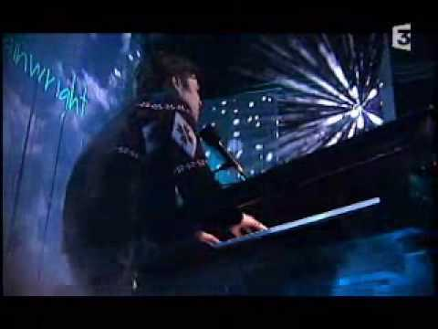 rufus-wainwright-going-to-a-town-live-french-tv-cyclopede