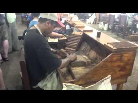 Drew Estate Cigar Safari Part 16: Bunching a cigar at Joya de Nicaragua