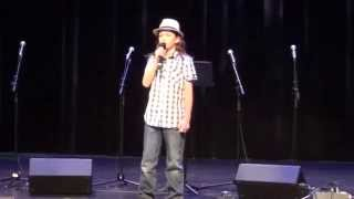 10 yr old sings Jason Mraz ''I won't give up''
