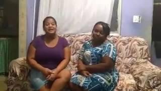 Cantora Elisete sanuto cantando com a cantora Tatiane Rosa