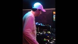 DJ Rico petit delire sur une peniche a Paris