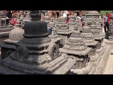 Nepal: Kathmandu Monkey Tempel on Top