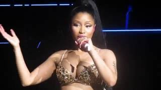 "Nicki Minaj ""Pound the Alarm"" Live"