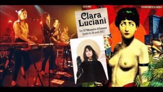 """Clara Luciani : « Le vinyle qui a le plus compté pour moi : """"Psycho Tropical Berlin"""" de La Femme. »"""