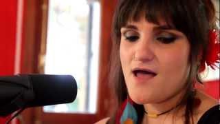 ROZALÉN & ROAD RAMOS - Bajar del mundo (versión acústica)