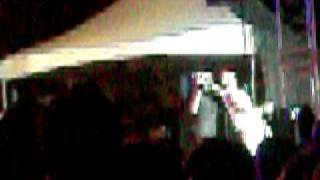 usher performin at reggae sumfest 2010 ( quality not the best)