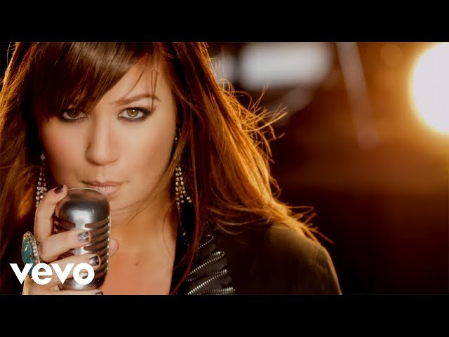"Video oficial de ""Stronger"" de Kelly Clarkson."