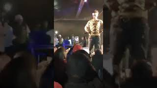 Emtee falls on the stage floor while performing - Full clip