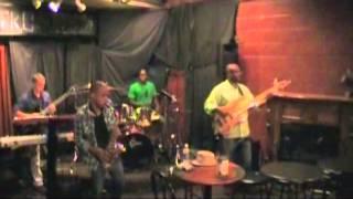 Deja Vu - Beyonce' (cover) - Saxophone Paul Petty
