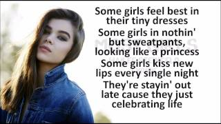 Hailee Steinfeld-Most Girls LYRICS HD