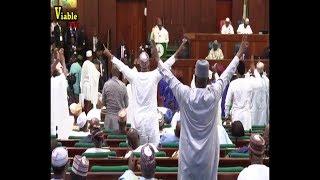 Hot Video  :How Lawmakers Boo Buhari, Call Him Liar During 2019 Budget presentation