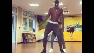 This Couple killed Drake's One Dance Afrobeat Remix Lol · Video