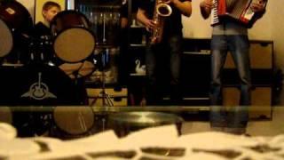 W taką ciszę sax&accordion