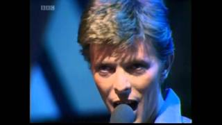 "David Bowie ""Heroes"" TOTP's 29.10.77."
