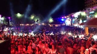 "Solomun played Sharam Jey's ""Like Nobody Does"" at Ushuaia Closing 2012 (Ibiza)"