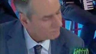 Pente ellhnes ston adh - Antonis Papaioanou