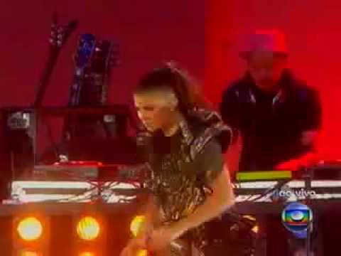 Cerimônia de Abertura da Copa do Mundo da África do Sul 2010 – Black Eyed Peas
