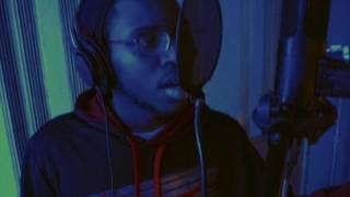 Jr. Ft Rauri Wait a  minute (Remix)