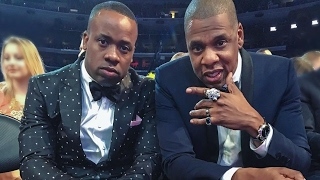 "Jay Z ""Brings Yo Gotti To Grammy Awards"""