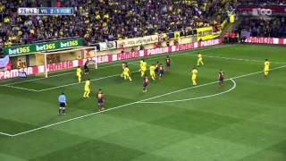 Dani Alves eats banana thrown onto pitch during La Liga match