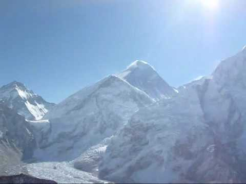 Pogled na Everest sa vrha Kalapatara