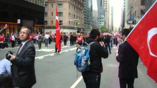 NEW YORK TURK GUNU YURUYUSU  T.S.K  ARMONI MIZIKASI   18 MAYIS 2013