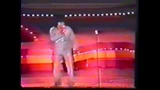 "James Brown performs ""Papa's Bag"" 1973"