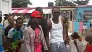 POPCAAN ,SHAWN STORM ,JEFFREY HYPE INFRONT DI SCENES {RAVING} (VIDEO) AUG 2011