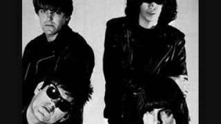 The Ramones - Blitzkrieg Bop (Live 1985)