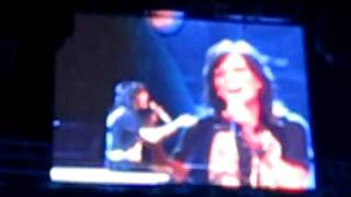 Martina McBride - Walk Away - Milwaukee 11-22-2009