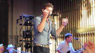 """Brett Eldredge """"Fly Me To The Moon"""" (Frank Sinatra Cover) Live @ PNC Bank Center"""