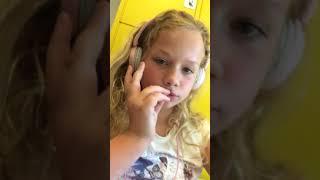OMG! Kijk naar de video's van @kankerwijf__! #musical.ly >