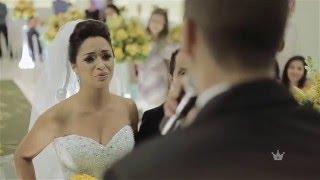 Noivo cantando na entrada da noiva surpresa | Diego + Aline