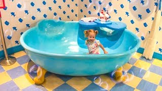 Hello Kitty Cute Indoor Playground for kids, House of Kitty Family Fan Video for kids