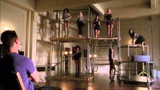 Full Performance of 'Cold Hearted' from 'Feud'   GLEE