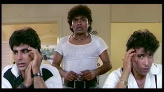 Johnny Lever comes to the Police Station to Meet Shakti Kapoor (Khiladi) width=