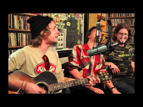 deer-tick-born-at-zero-themixedtape903
