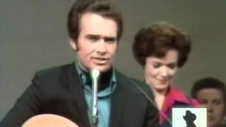 1970 LIVE VIDEO - MERLE HAGGARD & THE STRANGERS - The Fightin' Side Of Me