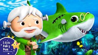 Baby Shark Dance Halloween Special | Halloween Shark Song + More Nursery Rhymes | Little Baby Bum