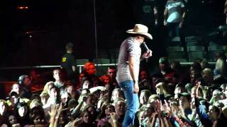 Dirt Road Anthem Live- Jason Aldean (HD)