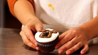 How to Make Dog Cupcakes for Kids | Cupcake Tutorials